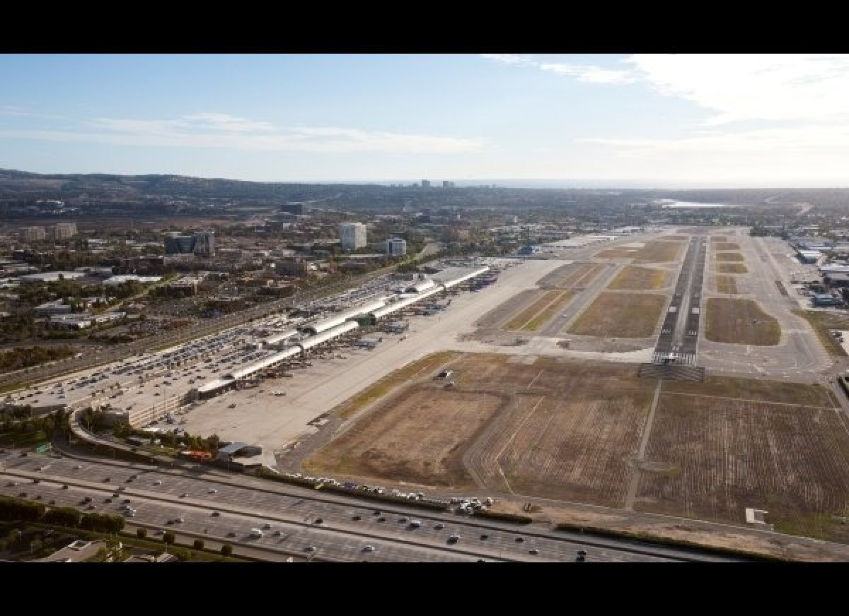 The short runway at Santa Ana's John Wayne Airport is always a performance challenge for both take-off and landing.