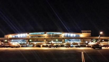 dfw机场晚上